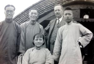 Christian Matheisen med kinesiske bekendte (2)